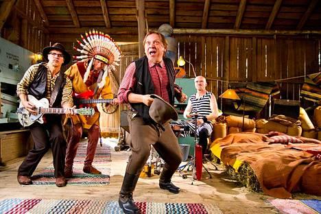Yleisradion lastenohjelmissa esiintyvän Herra Heinämäen Lato-orkesterin intiaanihahmo oli liikaa. Yleisradio siivosi koko ohjelman pois.