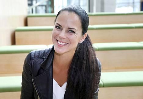 Satu Tuomisto erosi viime kesänä aviomiehestään Petri Aarniosta.