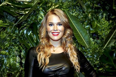 Sara Sieppi nähdään parhaillaan Selviytyjät Suomi -ohjelmassa.