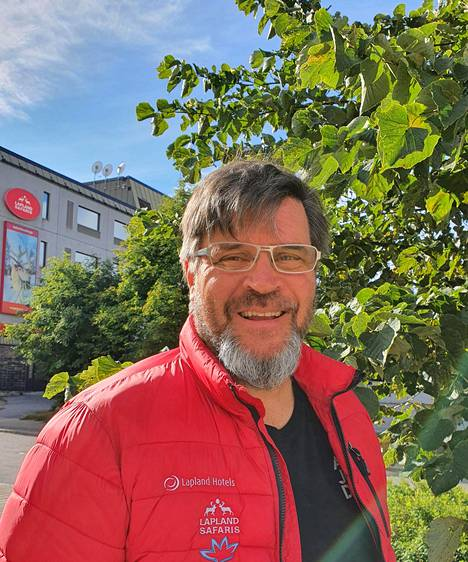 Jyrki Niva kertoo, että Lapland Safaris sai Business Finlandin kehittämisrahaa 100000 euroa. Se menee verkostoalustan kehittämiseen ja omatoimimatkailijoiden palveluiden kehittämiseen.