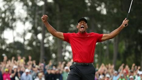Donald Trump julisti antavansa Tiger Woodsille valtavan kunnianosoituksen – aiheutti suuren protestivyöryn