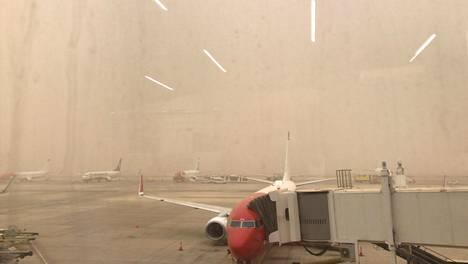 Lauri Kososen tytär Kerttu otti kuvan Las Palmasin lentoasemalta.