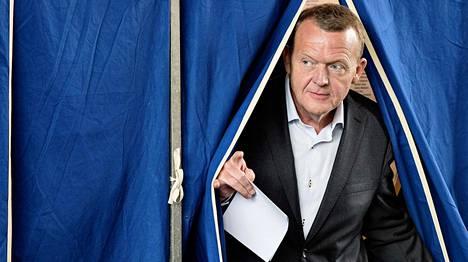 Lars Løkke Rasmussenin puolueesta povataan vaalivoittajaa.