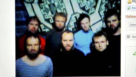 Sieppaajat julkistivat kuukausi sitten kuvan virolaisista vangeistaan.