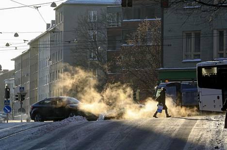 Perjantai 15.1.2021 oli niin kylmä päivä, että sähkönkäyttö nousi ennätyslukemiin. Kuva on perjantailta Helsingin Nordenskiöldinkadulta.