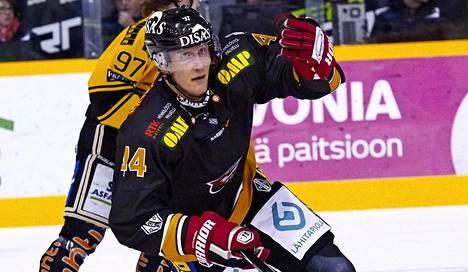 Entinen NHL-ammattilainen Joni Pitkänen palasi SM-liigajäille hetkellisesti 2016.