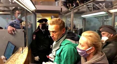 Aleksei Navalnyi otettiin kiinni hänen saapuessaan Moskovaan eilen.