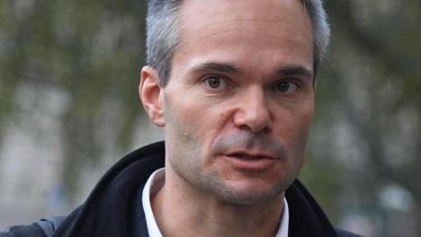 Kokoomuksen ryhmänjohtajan Kai Mykkäsen mukaan perussuomalaiset ovat tehneet välikysymyksen omalta pohjallaan EU-kriittisenä puolueena.
