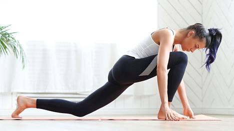 Jooga voi myös vähentää stressiä, mikä on tunnettu migreenikohtauksien laukaisija.