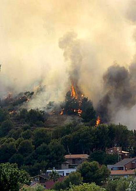 Metsäpalot koettelevat Alcoran kaupunkia Espanjanssa.