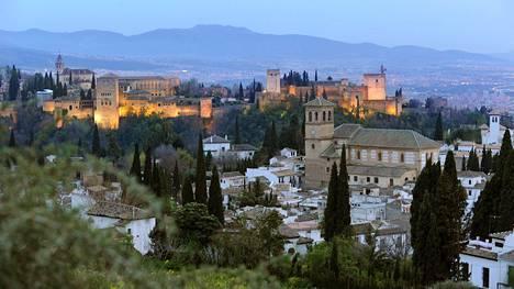 Etelä-Espanjan helmi! Nämä pitää kokea Granadassa