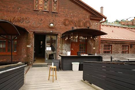 Ravintola Ondan terassi odotti asiakkaita kesäkuun ensimmäisenä päivänä.
