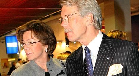 Saara ja Björn Wahlroos tekivät avioehdon vuonna 1994 - oltuaan jo 17 vuotta naimisissa.