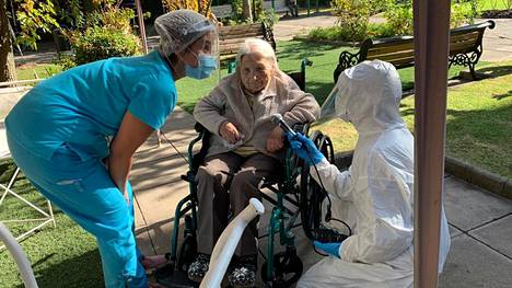 111-vuotias Juana Zúñiga parantui koronasta Chilessä.