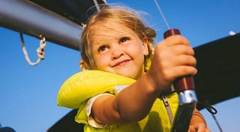 Kerttu Meretniemi lähtee kuuden vuoden purjehdukselle perheensä kanssa.