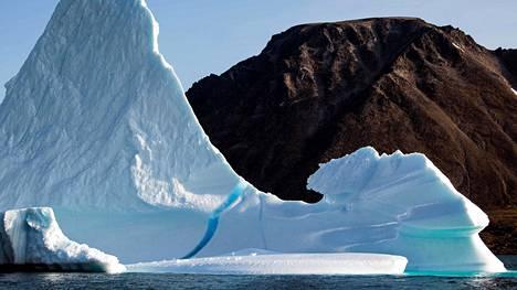 Raportin mukaan myös kesäaikaisen arktisen merijään määrä on vähentynyt viime vuosina.