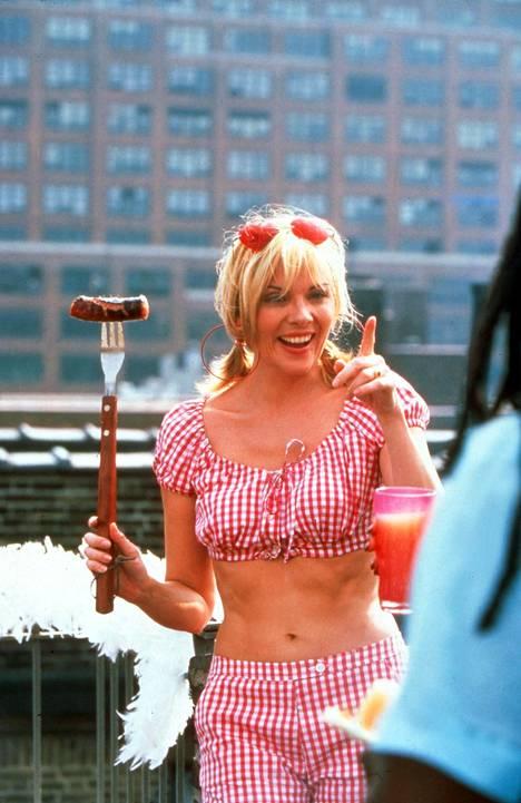 Sinkkuelämää teki Kim Catrallista seksisymbolin. Sarjan ja siitä tehtyjen elokuvien jälkeen tähteä ei ole juuri nähty julkisuudessa.