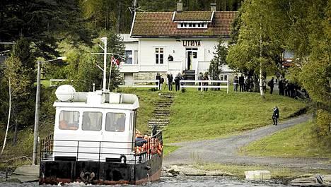 Anders Behring Breivik surmasi Utöyan saarella 69 ihmistä ja Oslon pommi-iskussa 8 ihmistä.