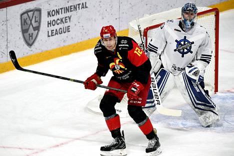 Jo neljä kautta Jokerien KHL-joukkueessa pelannut kolossi on edustanut Suomen kolmesti MM-kisoissa.