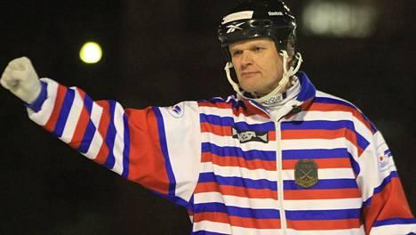 Kaj Wallén tuomitsee keskiviikkona uransa 700. pääsarjaottelun Suomessa.