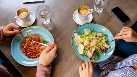 Mitä valitset lautasellesi päivittäin? Sillä on iso merkitys myös jaksamisesi kannalta.