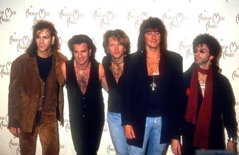 David Bryan, Tico Torres, singer Jon Bon Jovi, Richie Sambora ja Alec John Such tammikuussa 1993.