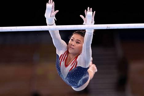 Sunisa Lee loisti etenkin bravuuritelineellään eritasonojapuilla.