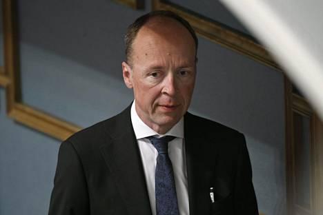 Puheenjohtaja Jussi Halla-ahon puheenvuoro toimeentulotuen 75 euron väliaikaisesta koronakorotuksesta nosti äläkän vasemmistoliiton edustajissa.