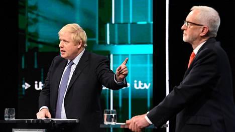Boris Johnson ja Jeremy Corbyn kohtasivat vaaliväittelyssä.