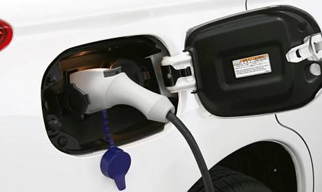 Autolla on mahdollista ajaa pelkällä sähköllä, jolloin polttoaineenkulutus ja CO2-päästöt ovat nolla