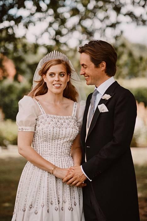Prinsessa Beatrice ja Edoardo Mapelli Mozzi avioituivat vuonna 2020.