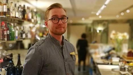 Hotelli St. Georgen baarimestari Tuomas Lindgren toteaa, että alkoholittomat drinkit tulee suunnitella yhtä hyvin, kuin alkoholia sisältävät. Niiden hinnat eivät välttämättä eroa toisistaan suuresti.