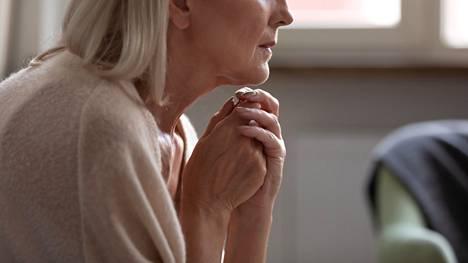 Noin 100 000 suomalaista potee lievää dementiaa ja melkein yhtä monella on pitemmälle edennyt dementia.