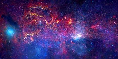 Meidän galaksimme keskusta Nasan tuoreessa mosaikkikuvassa.