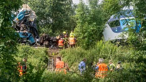 Onnettomuus sattui Plzenin ja Domazlicen välisellä rataosuudella lähellä Milavcen kylää.