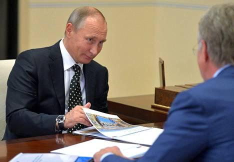 Venäjän presidentti Vladimir Putin kuvattuna Moskovassa maanantaina.