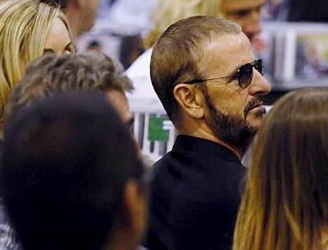Ringo Starr seurasi Paul McCartneyn keikkaa yleisön joukossa.