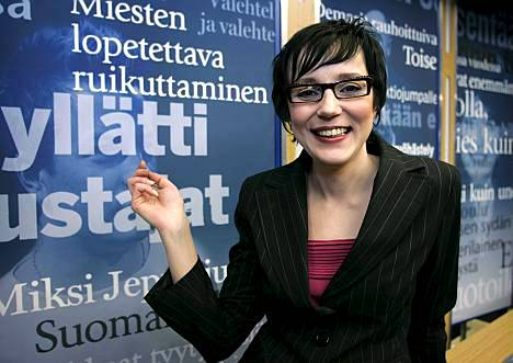 Jos Jari Tervo päättää jyrätä minut, minähän vain vikisen, Heli Roiha arvioi.