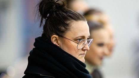 Helsingin kaupunki perii toiminta-avustuksiaan takaisin Mirjami Penttisen muodostelmaluisteluseura HSK:lta.