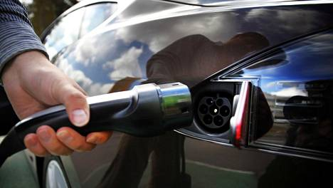 Sähköautoiluun siirtyminen voi tuoda mukanaan myös aivan uudenlaisia ja odottamattomiakin murheita.