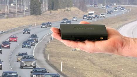 """Liikenneministeriö suunnittelee autoihin niin sanottua """"mustaa laatikkoa"""". Kuvan laatikko on Aplicomin valmistama ajoneuvotelematiikkalaite, jollaisia käytetään jo nyt muun muassa rahtiliikenteessä."""