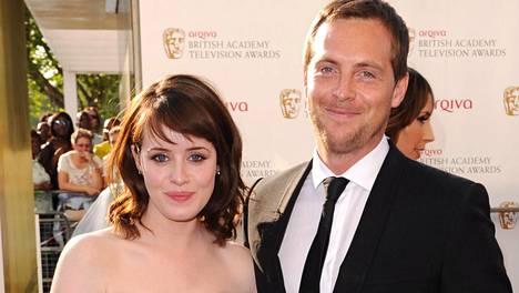 Claire Foy ja Stephen Campbell Mooren avioliitto kariutui 4 vuoden jälkeen.