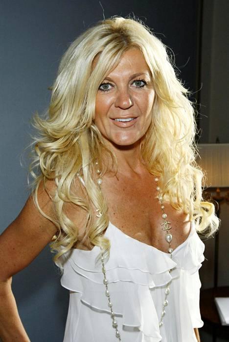 Maria Montazami on ollut sarjassa mukana ensimmäisestä kaudesta alkaen. Hän nauttii suurta suosiota varsinkin kotimaassaan Ruotsissa.