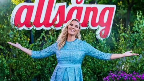 Sanna Nielsen luotsaa Allsång på Skansenia jo kuudetta kertaa.