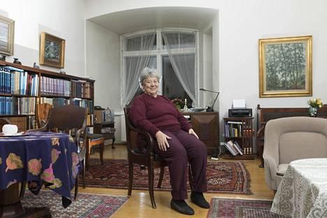 Kirsti Santaholma palasi perheensä kanssa lapsuudenkotiinsa, jossa alkuperäistä tunnelmaa ei ole viety uudistuksilla.