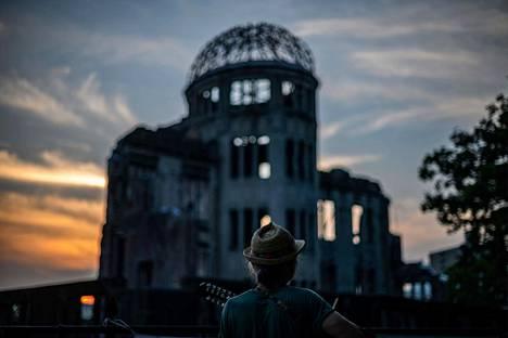 Hiroshiman tuhon muistomerkki on rakennettu entiseen teollisuuden näyttelyhalliin, joka säilyi pystyssä räjähdyksessä.