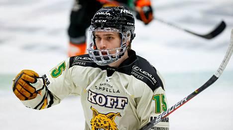 Santeri Virtanen iski maalin heti debyyttiottelussaan Ilveksen paidassa. Ottelut tupsupaidassa jäivät kuitenkin yhteen, sillä hän sairastui vakavasti koronaviruksen aiheuttamaan tautiin. Virtanen jatkaa Ilveksessä myös tulevalla kaudella.