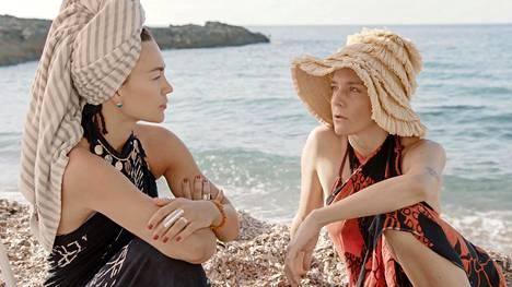 Meeri Koutaniemen ja Sami Yaffan luona Mallorcalla.