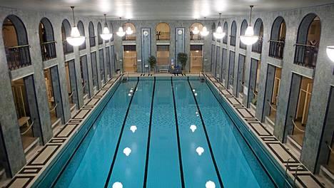 Yrjönkadun uimahalli Helsingissä.