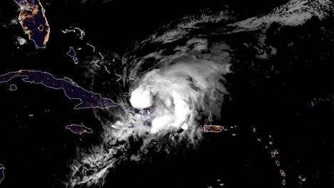 Satelliittikuva Isaias-myrskystä 31. heinäkuuta 2020.